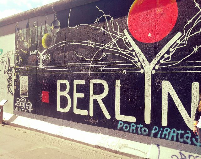 142120286000201 berlin wall.jpg