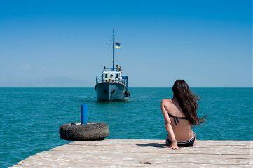 girl armenia sevan lake photography